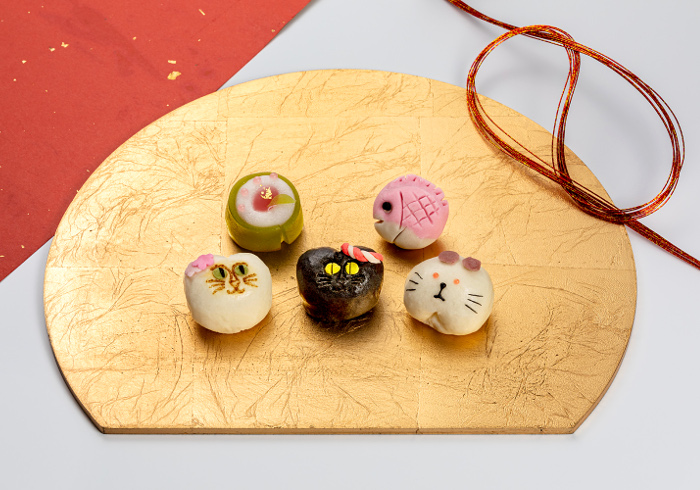 新春<ruby>招福<rt>しょうふく</rt>猫子<rt>ねこ</rt></ruby><br>まんじゅう 正月限定